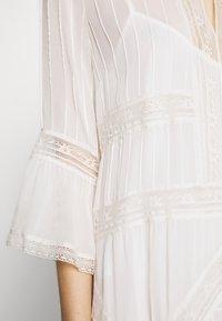 TWINSET - Koktejlové šaty/ šaty na párty - antique white - 7