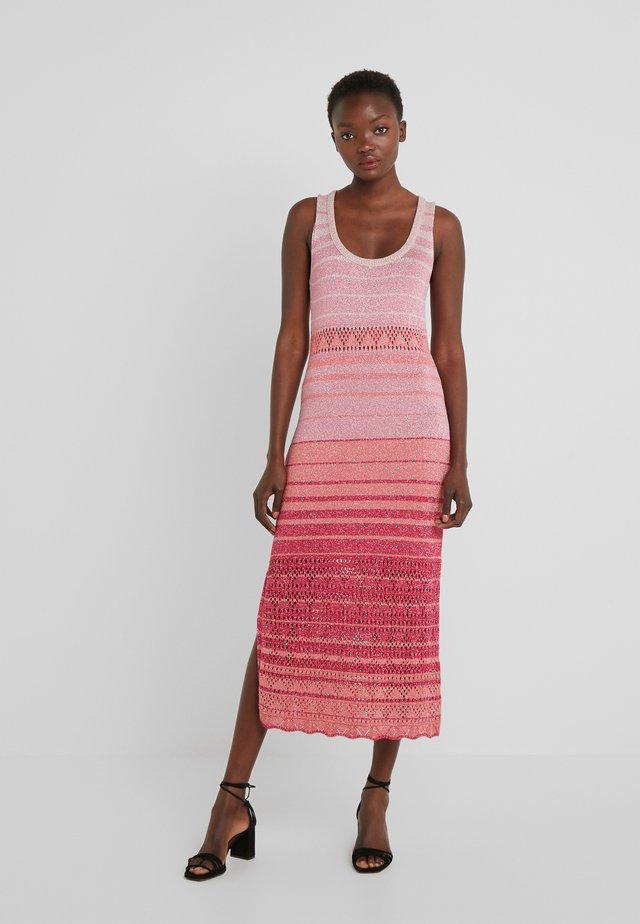 Vestido de punto - riga multicolor/rosa