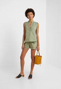 TWINSET - Shorts - oil green - 1