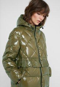 TWINSET - PIUMINO CIRE - Down coat - military gold - 4
