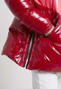 TWINSET - CAPPUCCIO VERA - Piumino - rosso veneziano/pink vegas - 5
