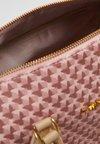 TWINSET - ALL OVER BUTTERFLY - Bolso de mano - perla rosa