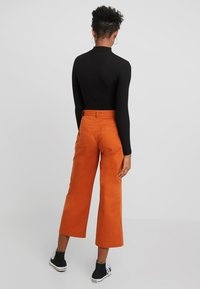 TWINTIP - Pantaloni - rusty red - 2