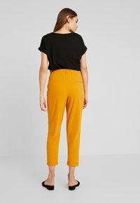 TWINTIP - Trousers - mustard - 2