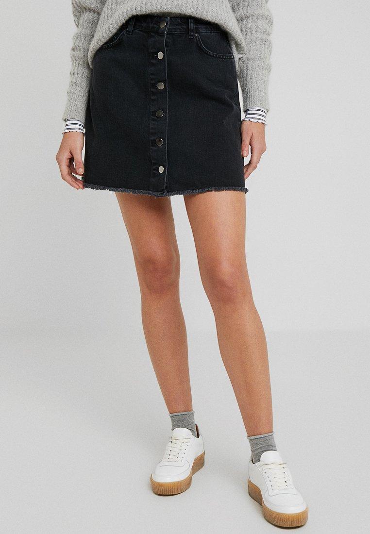 TWINTIP - Áčková sukně - black