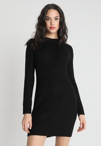 TWINTIP - Pletené šaty - black - 0