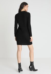 TWINTIP - Pletené šaty - black - 2