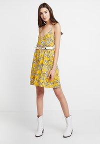 TWINTIP - Robe d'été - yellow - 1