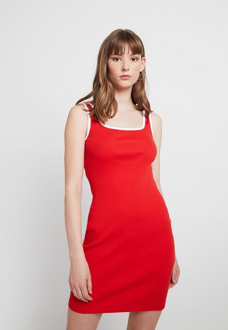 TWINTIP - Vestido de tubo - white/red