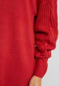 TWINTIP - CABLE SLEEVE DRESS - Pletené šaty - burgundy - 6
