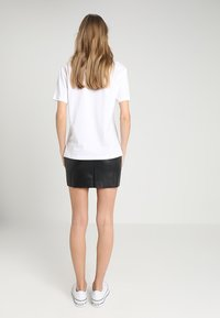 TWINTIP - Camiseta estampada - white - 2