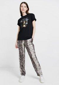TWINTIP - Print T-shirt - black - 1