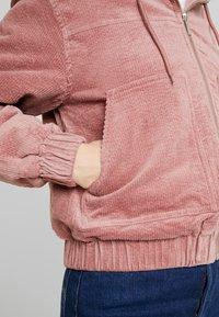 TWINTIP - Overgangsjakker - white/pink - 5
