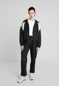 TWINTIP - Treningsjakke - black/turquoise - 1