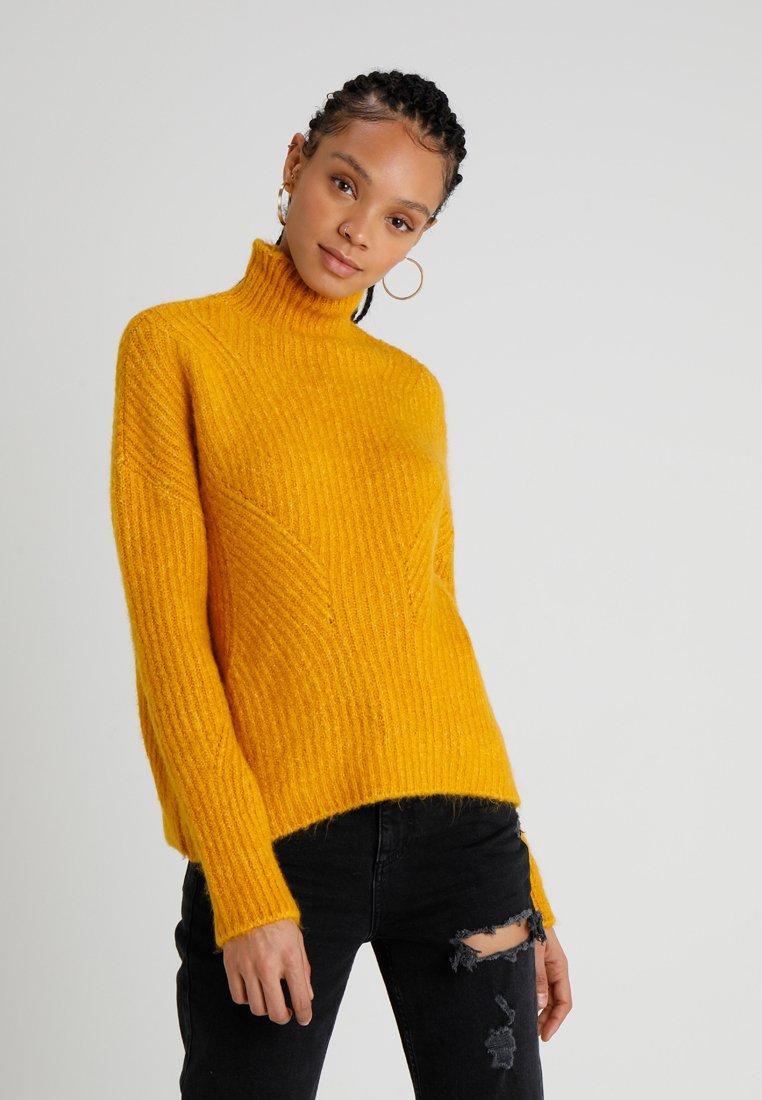TWINTIP - Strickpullover - yellow