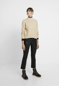 TWINTIP - Pullover - sand - 1