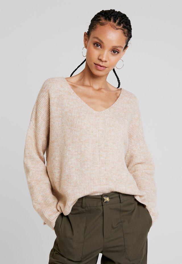 Sweter - sand