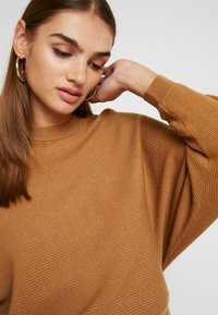 TWINTIP - Pullover - light brown - 4