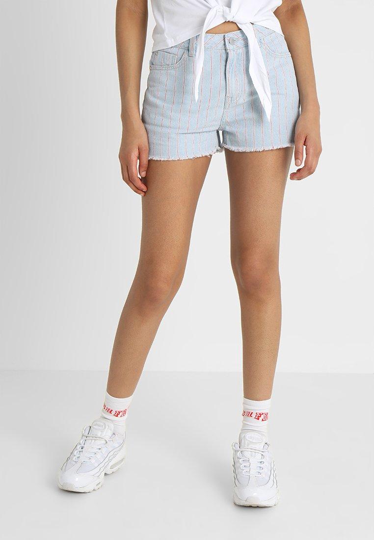 TWINTIP - Jeans Short / cowboy shorts - light blue