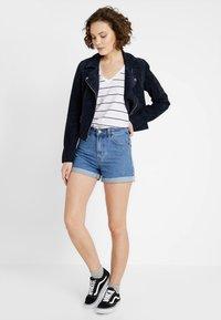 TWINTIP - Jeans Short / cowboy shorts - blue denim - 1