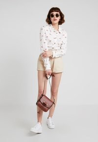 TWINTIP - Shorts - beige - 1