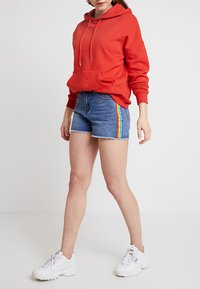 TWINTIP - Shorts vaqueros - mid blue denim - 0
