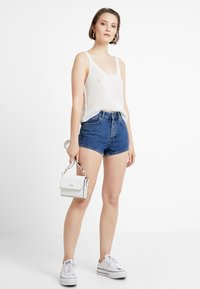 TWINTIP - Shorts vaqueros - dark-blue denim - 1