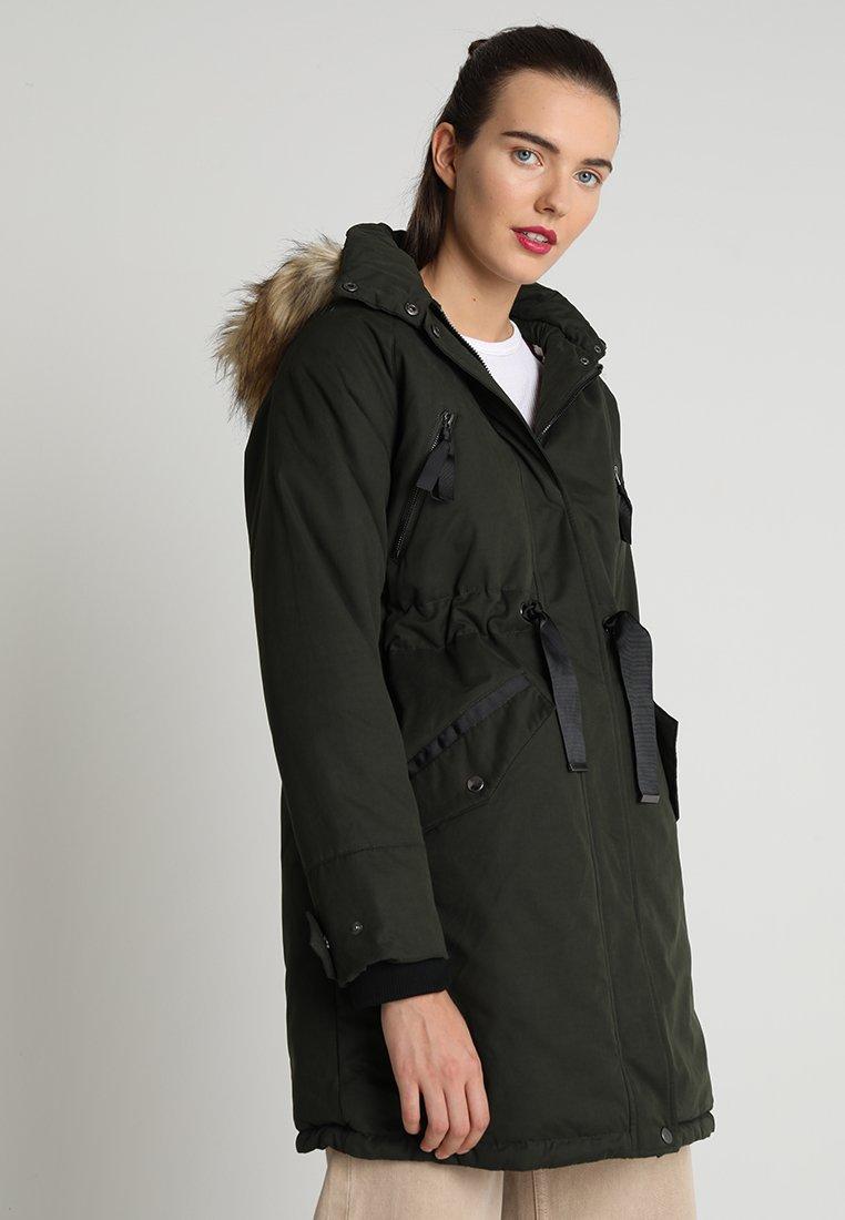 TWINTIP - Zimní kabát - dark green