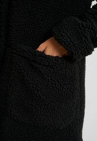 TWINTIP - Zimní kabát - black - 4