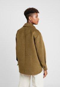 TWINTIP - Krótki płaszcz - khaki - 2