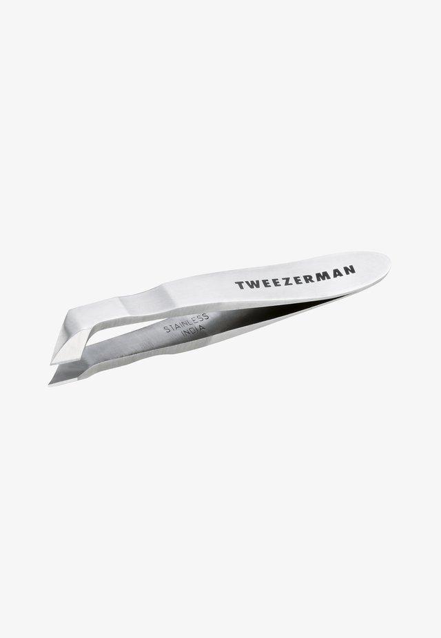 GEAR MINI HANGNAIL SQUEEZE AND SNIP NIPPER - Nail tool - -