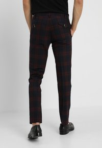 Twisted Tailor - GINGER TARTAN SUIT - Completo - wine - 5