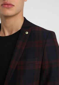 Twisted Tailor - GINGER TARTAN SUIT - Completo - wine - 10