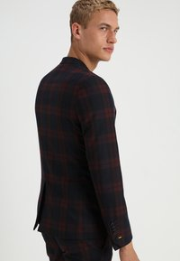 Twisted Tailor - GINGER TARTAN SUIT - Completo - wine - 3