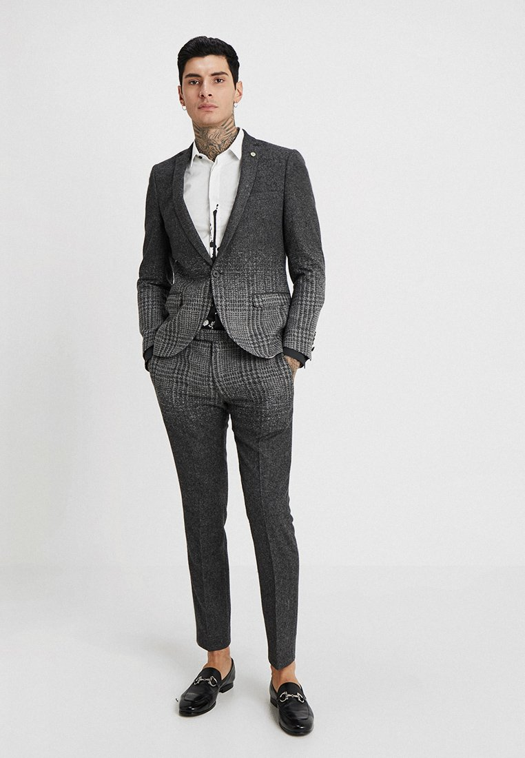 Twisted Tailor - CHOMSKY SUIT SLIM FIT - Suit - grey