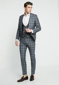 Twisted Tailor - SACRED SUIT SKINNY FIT - Traje - blue - 0