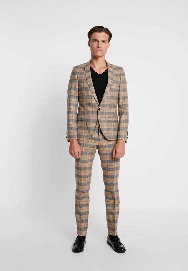 ACE SUIT - Suit - tan