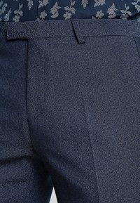 Twisted Tailor - ROOSICK SUIT SKINNY FIT - Oblek - navy - 9