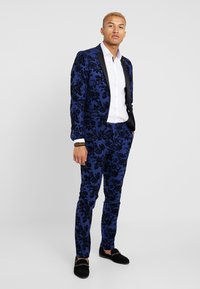 Twisted Tailor - HYENA SUIT SKINNY FIT EXCLUSIVE - Garnitur - navy - 1