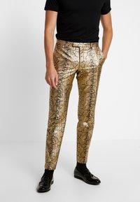 Twisted Tailor - BRAGA SUIT SKINNY FIT - Oblek - gold - 4