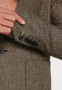 Twisted Tailor - SNOWDON - Giacca - brown - 5
