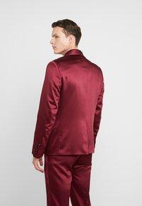 Twisted Tailor - DRACO SUIT - Oblek - bordeaux - 3
