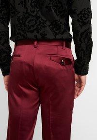 Twisted Tailor - DRACO SUIT - Oblek - bordeaux - 6
