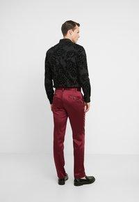 Twisted Tailor - DRACO SUIT - Oblek - bordeaux - 5