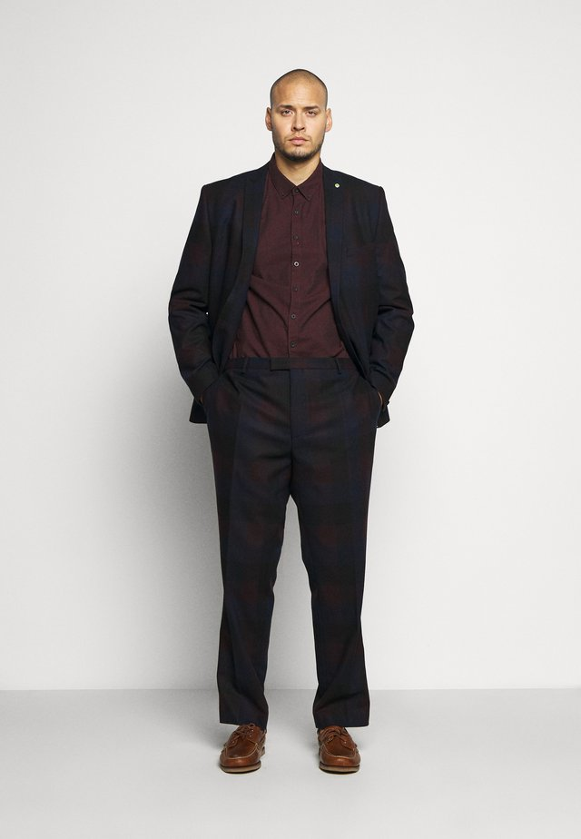 ASHBY SUIT PLUS - Anzug - burgundy