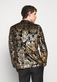 Twisted Tailor - IGGY BLAZER - Veste de costume - gold - 2