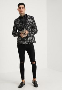 Twisted Tailor - ONO FLORAL SLIM FIT - Skjorta - black - 1