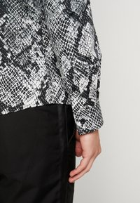 Twisted Tailor - CARROLL SHIRT - Chemise - grey - 3