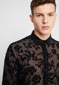 Twisted Tailor - KASH FLORAL SHIRT - Košile - black - 3