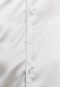 Twisted Tailor - SLINKY - Shirt - silver - 5